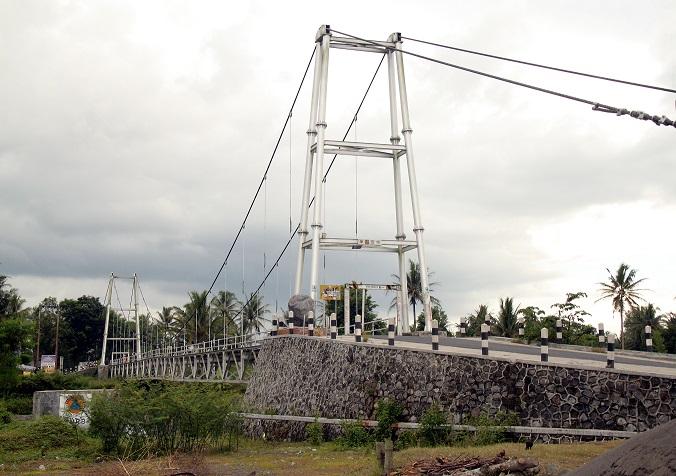 Jembatan Gantung Srowol – Jawa Tengah